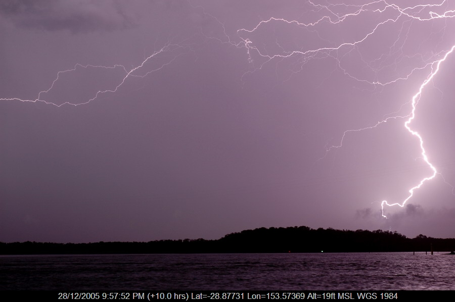 20051228mb45_lightning_bolts_ballina_nsw