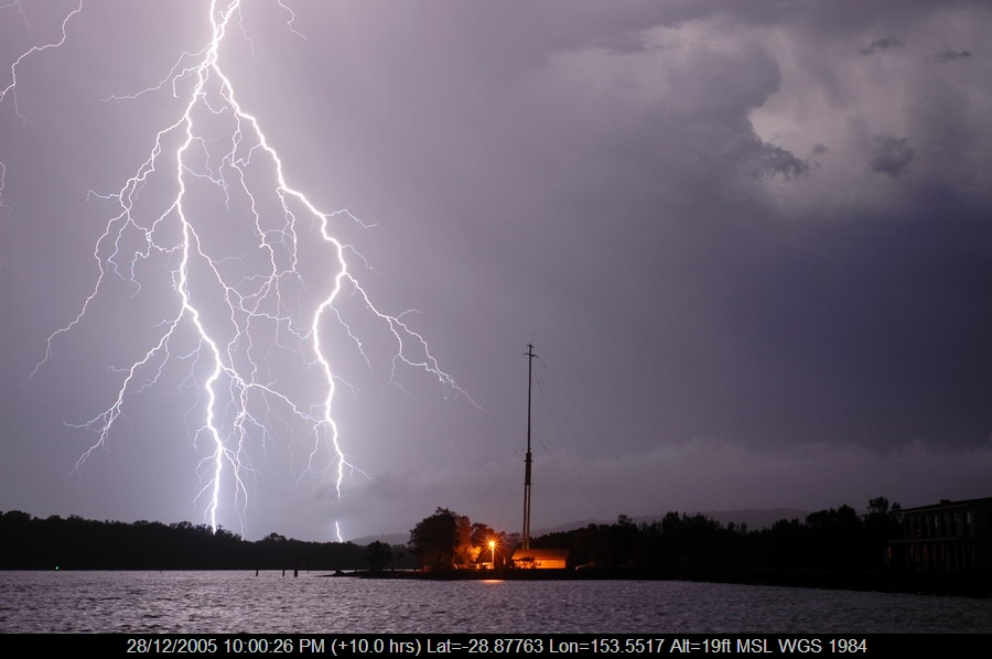 20051228mb48_lightning_bolts_ballina_nsw