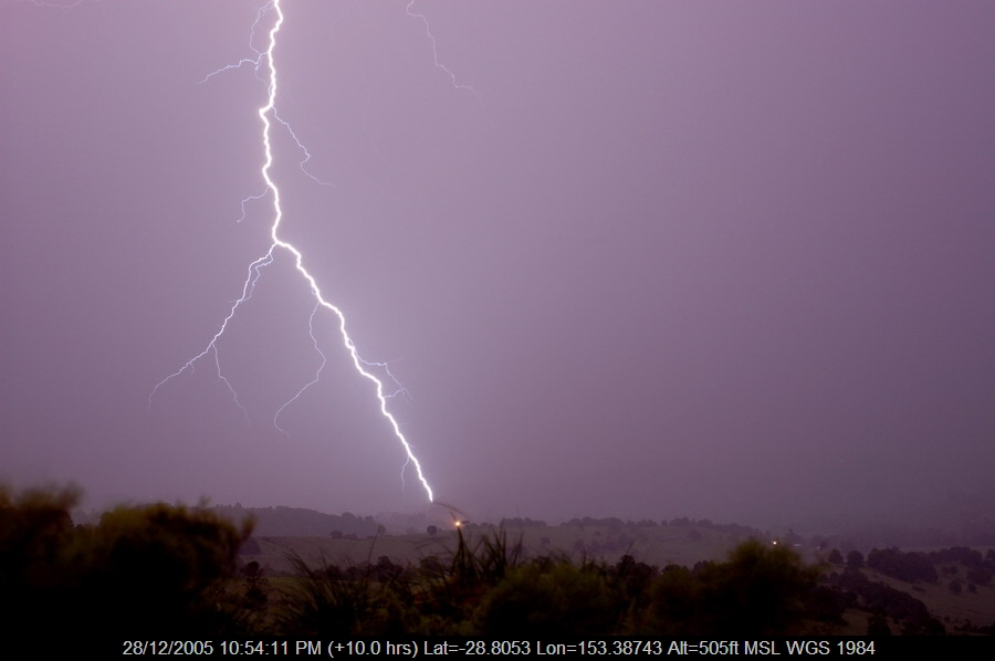 20051228mb54_lightning_bolts_mcleans_ridges_nsw