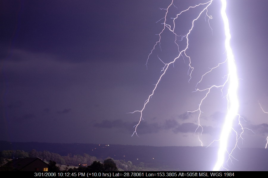 20060103mb47_lightning_bolts_mcleans_ridges_nsw