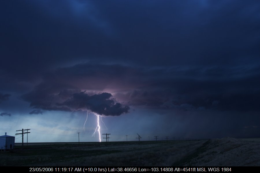 20060522jd12_lightning_bolts_near_haswell_colorado_usa