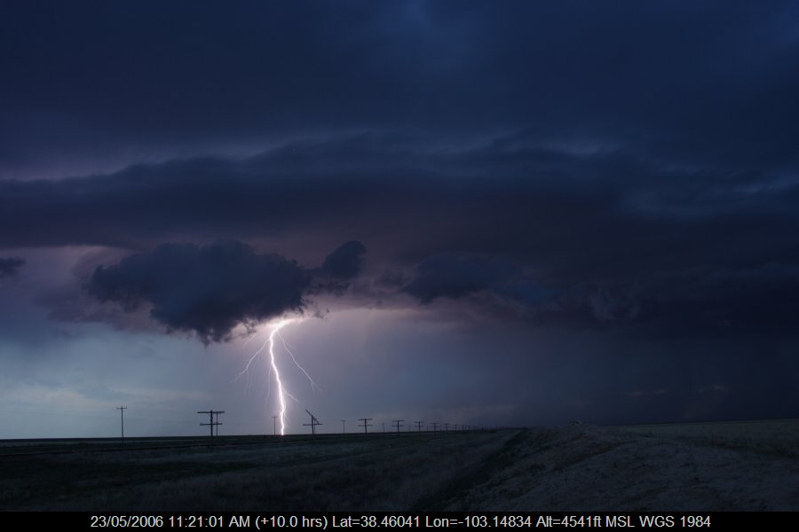 20060522jd13_lightning_bolts_near_haswell_colorado_usa