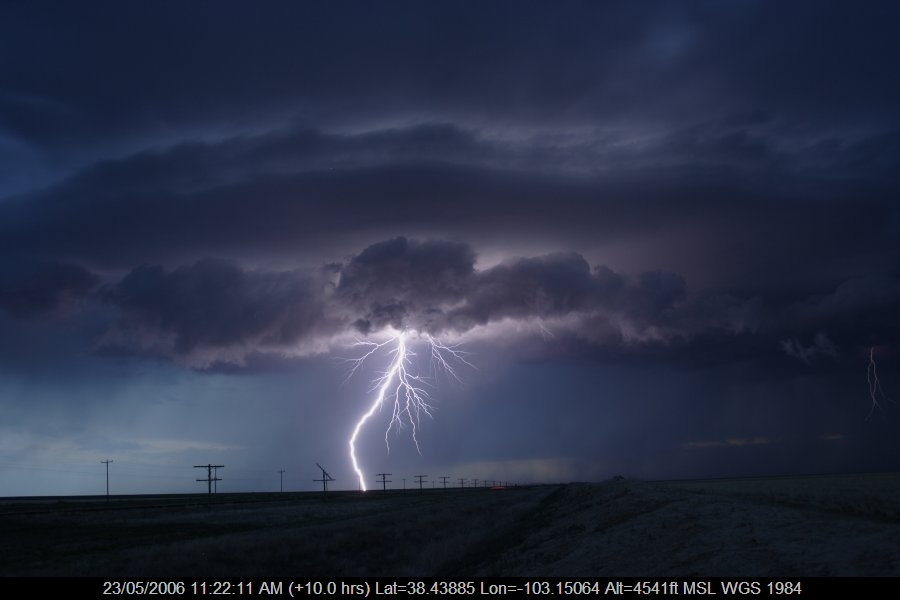 20060522jd14_lightning_bolts_near_haswell_colorado_usa