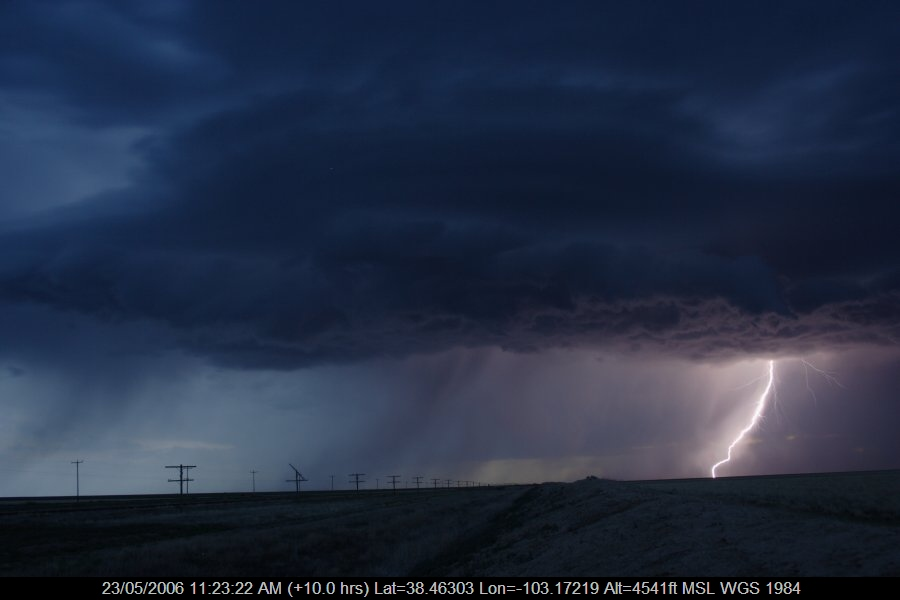 20060522jd16_lightning_bolts_near_haswell_colorado_usa