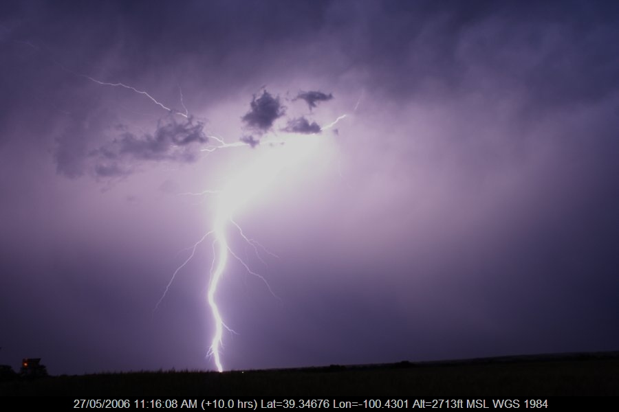 20060526jd73_lightning_bolts_near_hoxie_kansas_usa