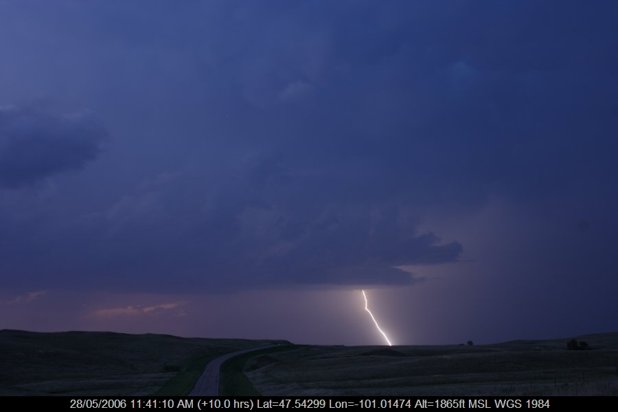 20060527jd62_lightning_bolts_s_of_bismark_north_dakota_usa