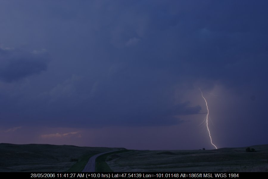 20060527jd63_lightning_bolts_s_of_bismark_north_dakota_usa