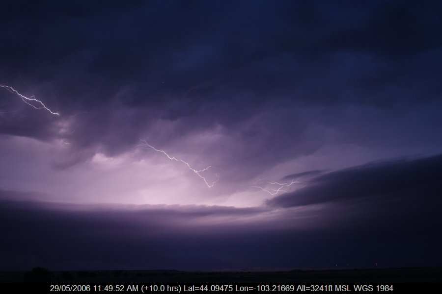 20060528jd30_lightning_bolts_near_rapid_city_south_dakota_usa