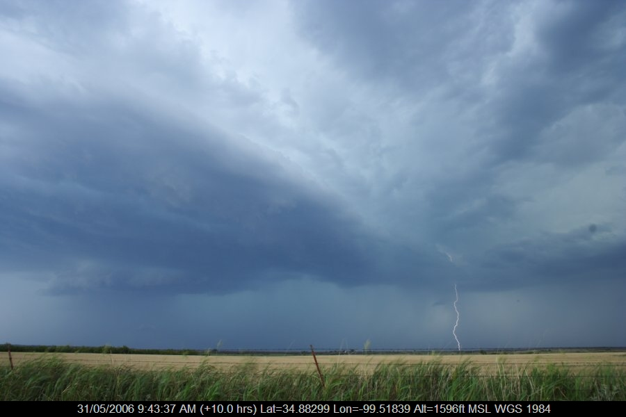 20060530jd46_lightning_bolts_near_mangum_oklahoma_usa
