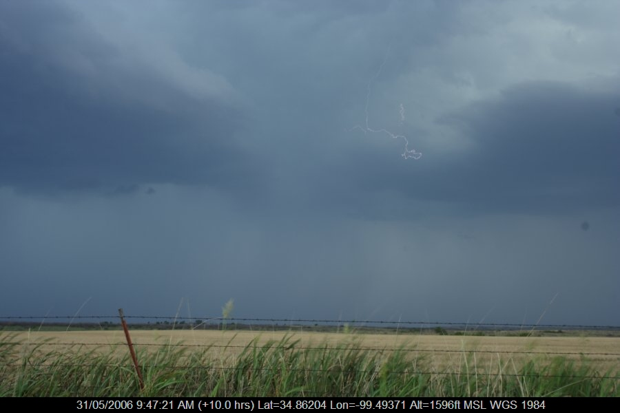 20060530jd61_lightning_bolts_near_mangum_oklahoma_usa