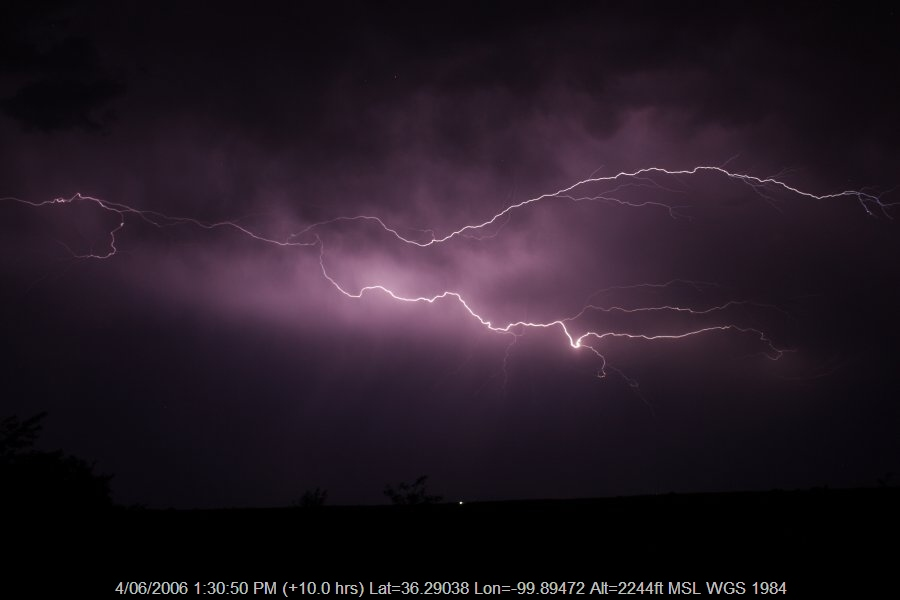 20060603jd13_lightning_bolts_shattuck_oklahoma_usa