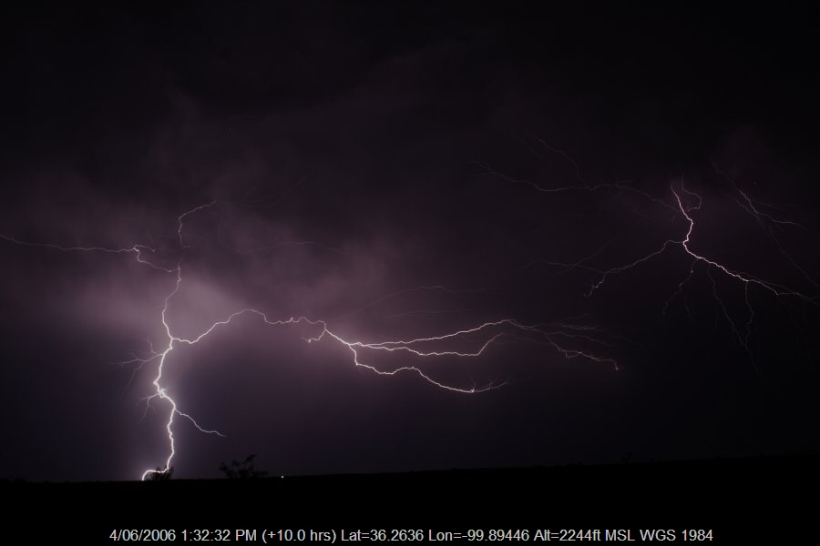 20060603jd14_lightning_bolts_shattuck_oklahoma_usa