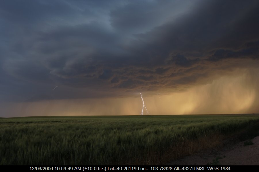 20060611jd30_lightning_bolts_s_of_fort_morgan_colorado_usa