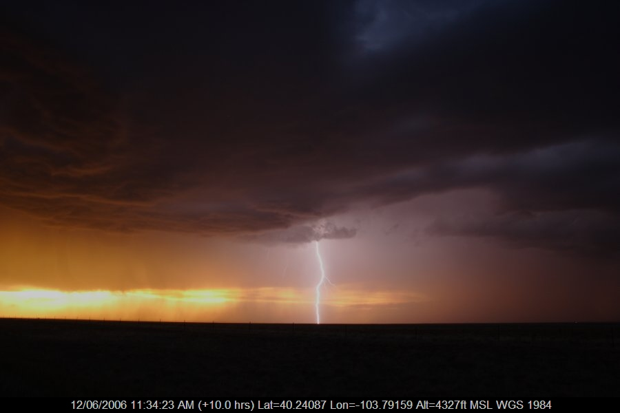 20060611jd52_lightning_bolts_s_of_fort_morgan_colorado_usa