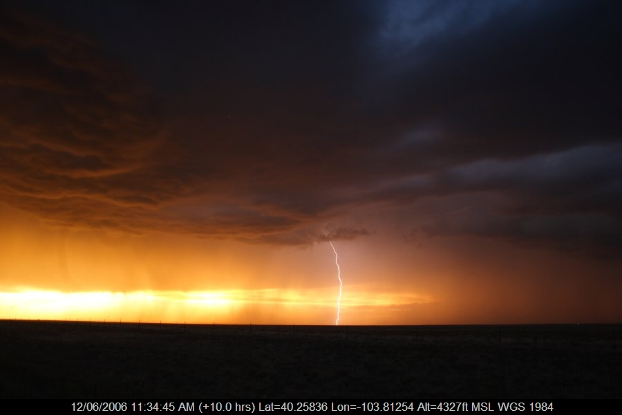 20060611jd53_lightning_bolts_s_of_fort_morgan_colorado_usa