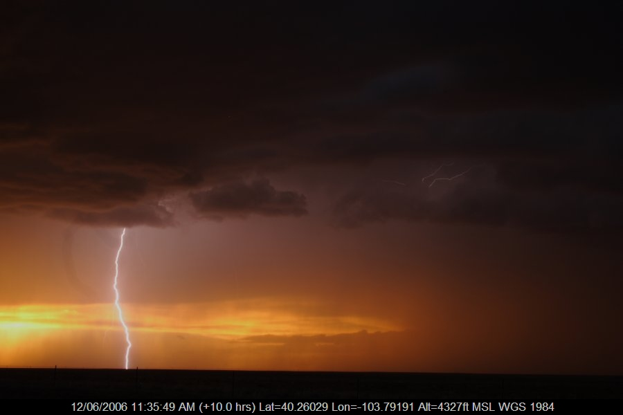 20060611jd55_lightning_bolts_s_of_fort_morgan_colorado_usa
