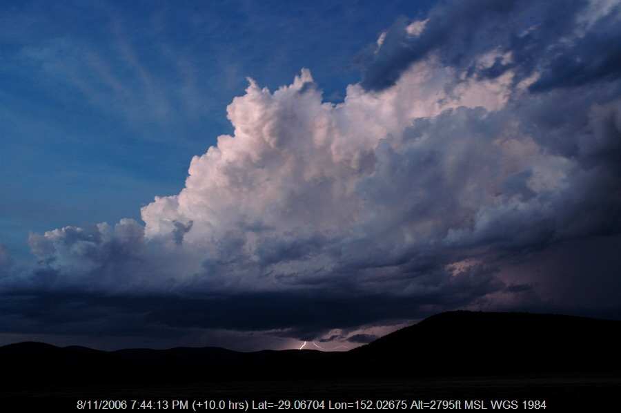 20061108mb82_lightning_bolts_w_of_tenterfield_nsw