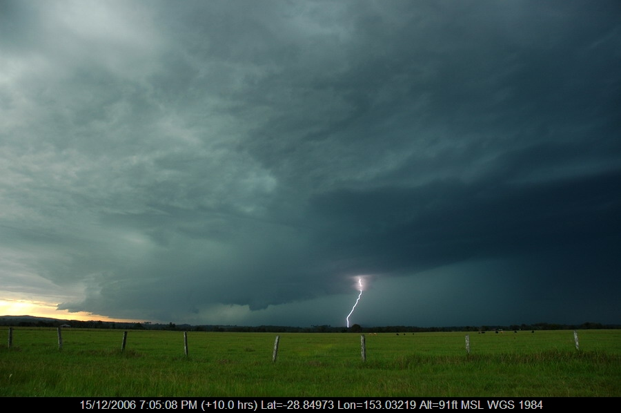 20061215mb16_lightning_bolts_n_of_casino_nsw