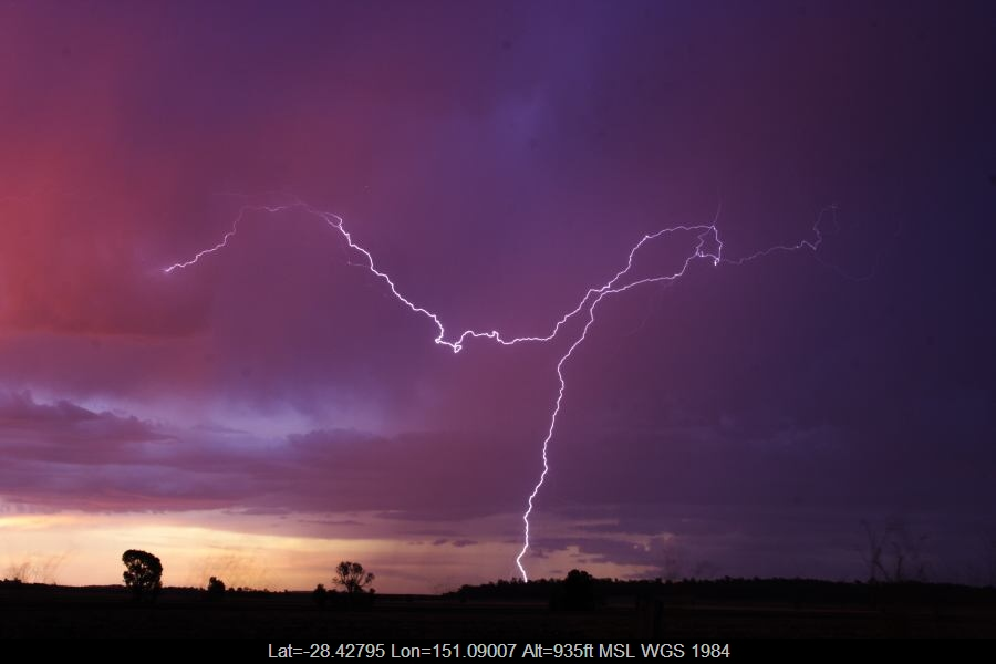 20070113jd58_lightning_bolts_40km_n_of_inglewood_qld