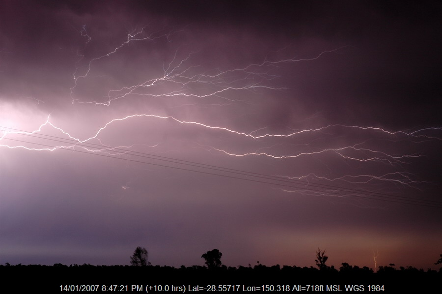 20070114mb37_lightning_bolts_n_of_goodiwindi_qld