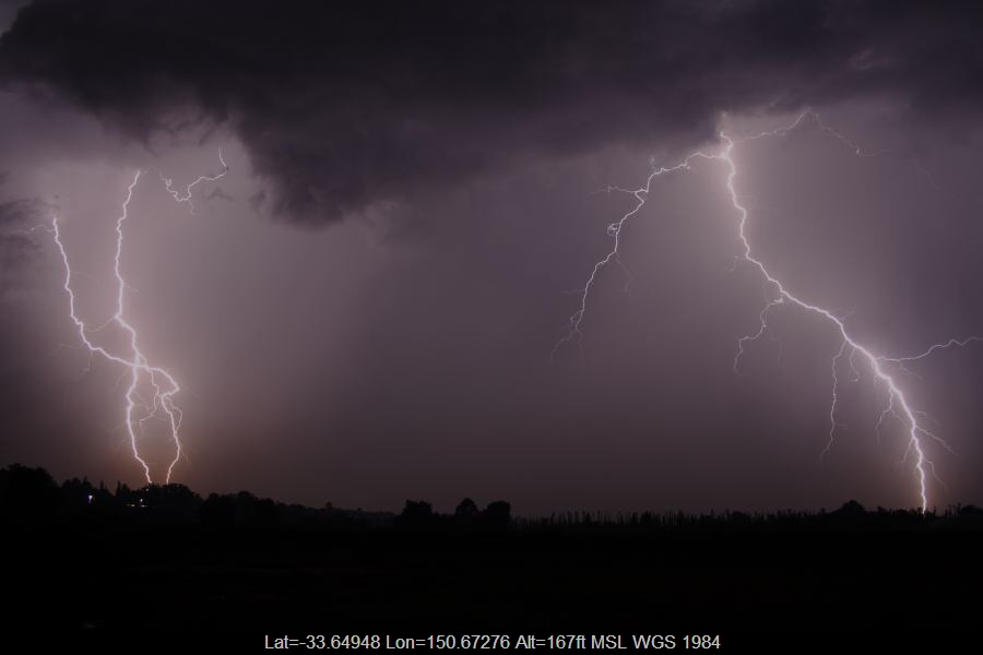 20070123jd52_lightning_bolts_near_yurramundi_nsw