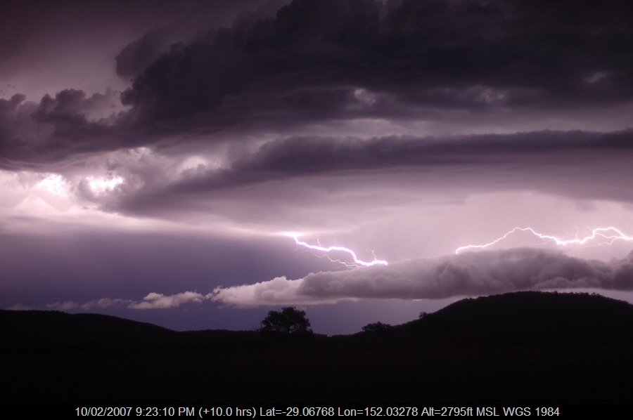 20070210mb57_lightning_bolts_w_of_tenterfield_nsw