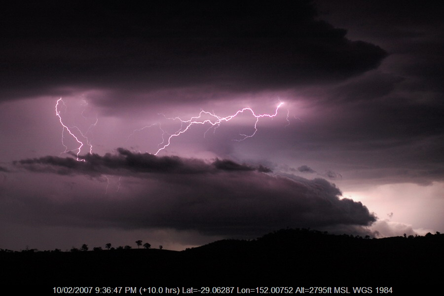 20070210mb65_lightning_bolts_w_of_tenterfield_nsw