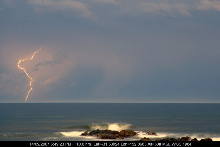 20070914mb31_lightning_bolts_lake_cathie_nsw