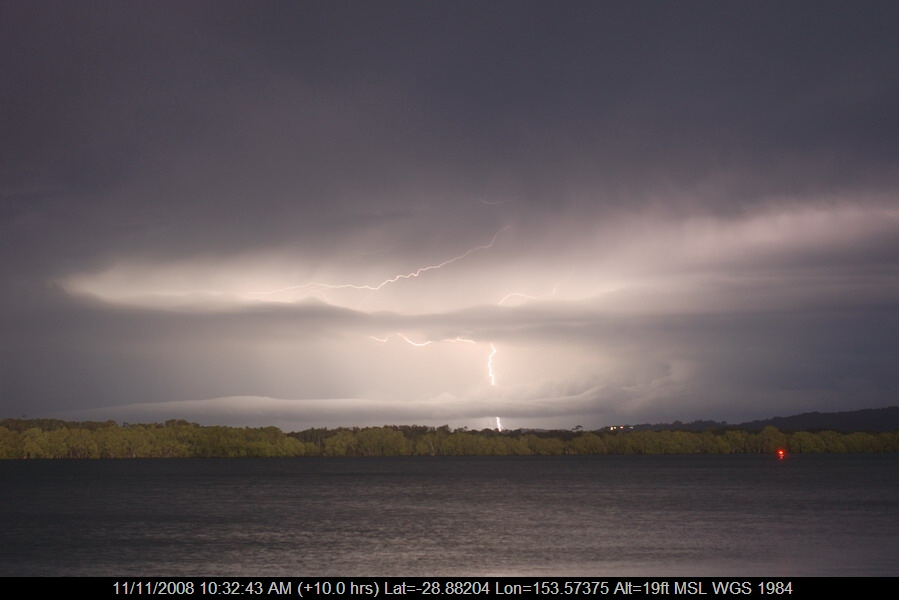 20080912mb40_lightning_bolts_ballina_nsw
