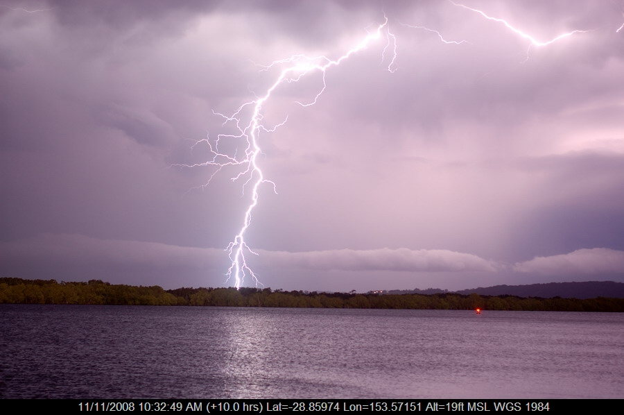 20080912mb49_lightning_bolts_ballina_nsw