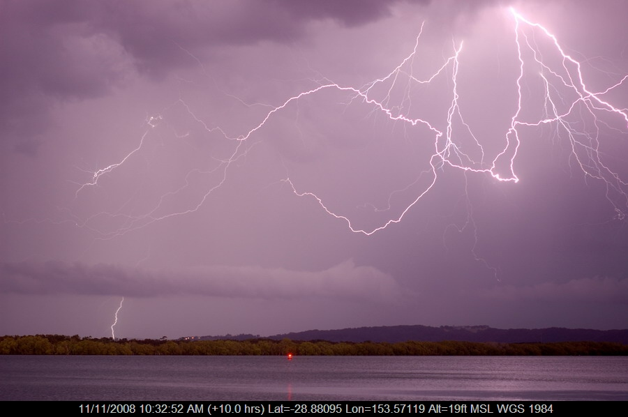 20080912mb53_lightning_bolts_ballina_nsw