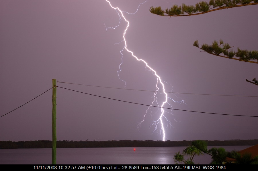 20080912mb58_lightning_bolts_ballina_nsw