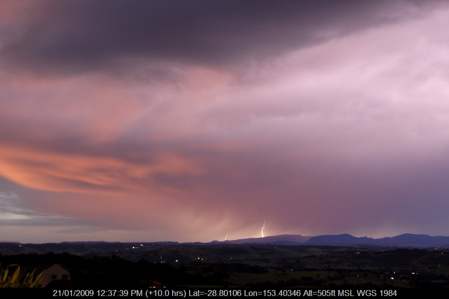 20081229mb27_lightning_bolts_mcleans_ridges_nsw