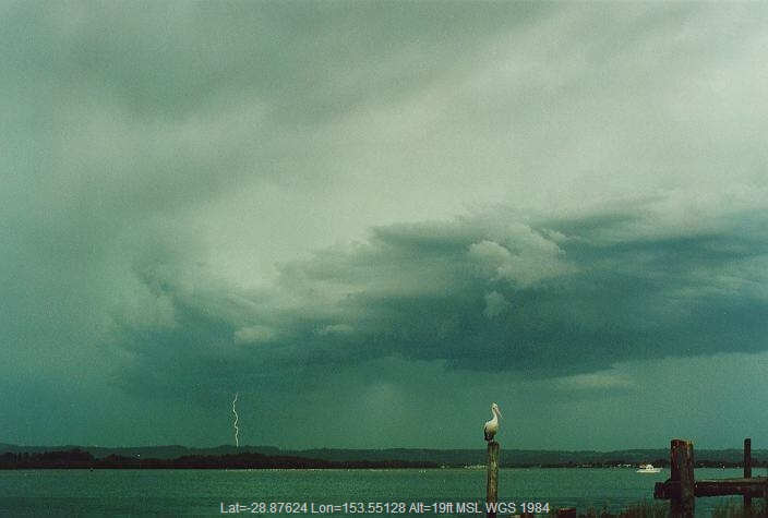 19951228mb13_thunderstorm_base_ballina_nsw