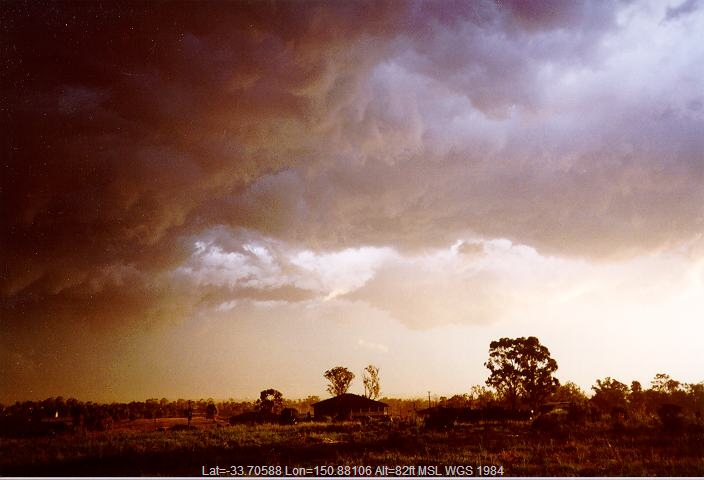 19960208jd04_thunderstorm_base_schofields_nsw