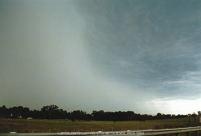19971027mb05_thunderstorm_base_glenmore_park_nsw