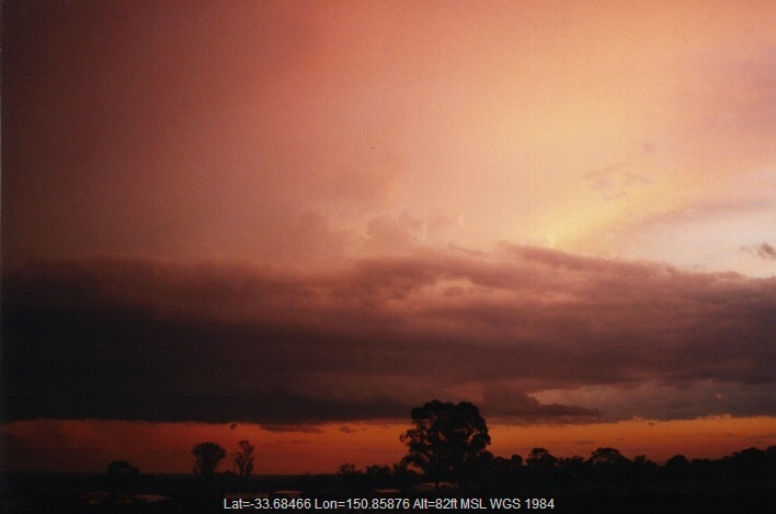 19990922jd13_thunderstorm_base_schofields_nsw