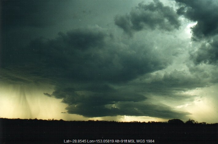 20001104mb29_thunderstorm_base_e_of_casino_nsw