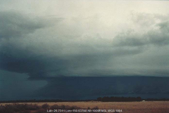 20001120jd17_thunderstorm_base_w_of_chinchilla_qld