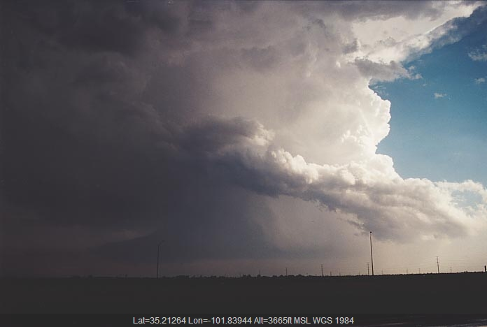 20010529jd09_thunderstorm_base_amarillo_texas_usa