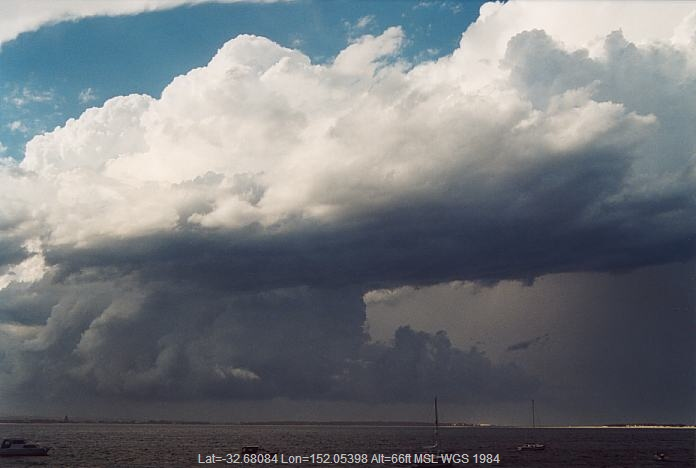 20020208jd14_thunderstorm_base_port_stephens_nsw