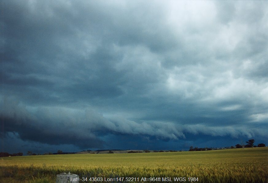 20031121jd09_thunderstorm_base_temora_nsw