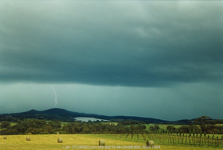 20031212jd02_thunderstorm_base_orange_nsw