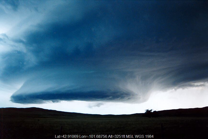 20040523jd03_thunderstorm_base_merriman_nebraska_usa