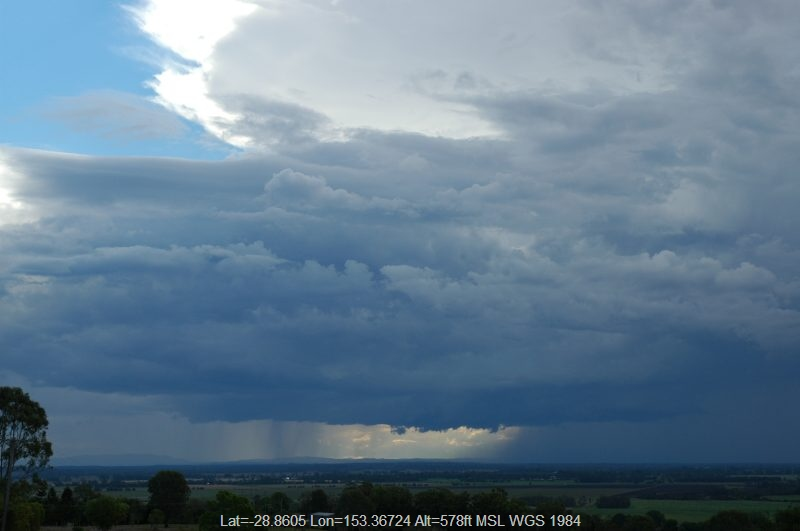20041021mb60_thunderstorm_base_tregeagle_nsw