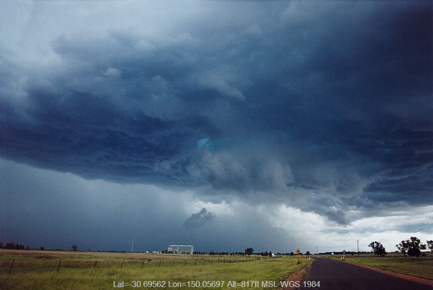20041225jd04_thunderstorm_base_near_boggabri_nsw