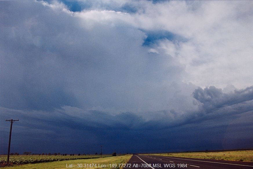 20041227jd03_thunderstorm_base_n_of_narrabri_nsw