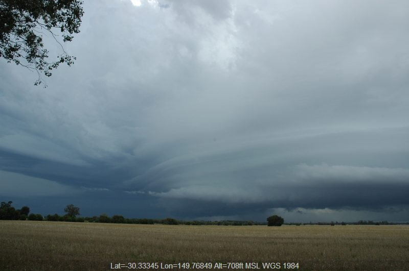 20041227mb016_thunderstorm_base_n_of_narrabri_nsw