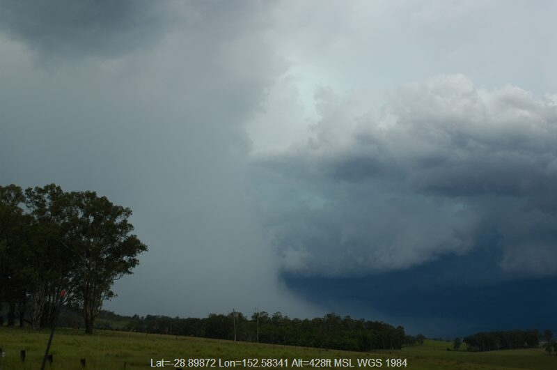 20050310mb28_thunderstorm_base_near_tabulam_nsw