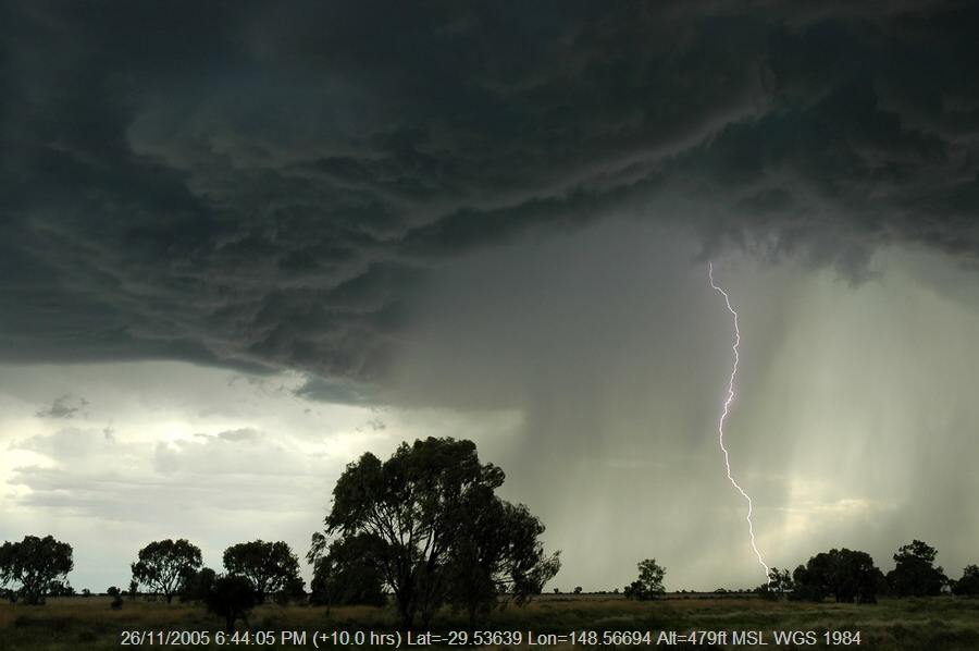 20051126mb58_thunderstorm_base_collarenabri_nsw